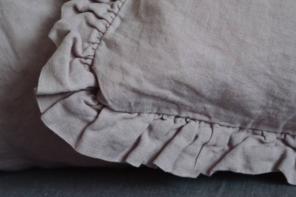 Leinen Kissenbezug Madara Mit Rüschen Rosa 40x 80 Cm
