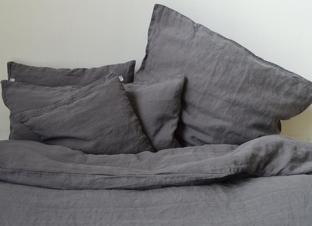 leinen bettwasche grau. Black Bedroom Furniture Sets. Home Design Ideas