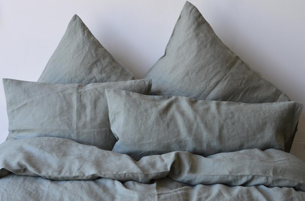 leinen bettw sche garnitur baiba khaki 135x 200 cm 40x 60 cm 40x 80 cm oder 80x 80 cm. Black Bedroom Furniture Sets. Home Design Ideas