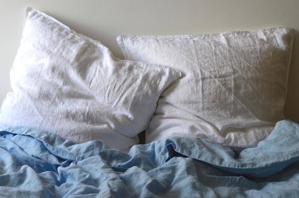 leinen bettw sche garnitur laima hellblau 200x 220 cm 40x 60 cm 40x 80 cm oder 80x 80 cm. Black Bedroom Furniture Sets. Home Design Ideas